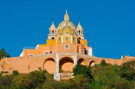 Foto de Iglesia de nuestra Señora de los remedios en Cholula, México - Imagen libre de derechos