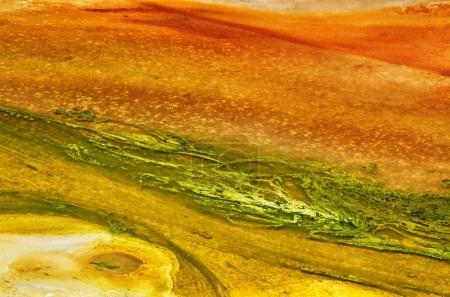 Photo pour Textures abstraites du bassin de porcelaine dans le parc national de Yellowstone, États-Unis . - image libre de droit