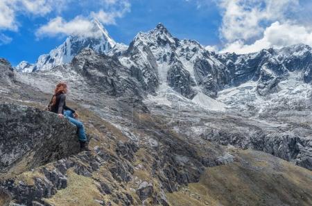 Photo pour Trekking en montagne. Paysage de Santa Cruz Trek, Cordillère Blanca, Pérou - image libre de droit