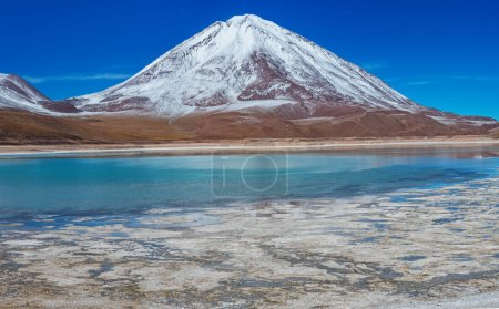 Laguna Verde at the foot of the volcano Licancabur in Eduardo Avaroa Andean Fauna National Reserve, Bolivia.