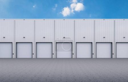 Photo pour 3D extérieur d'entrepôt de rendu avec des portes de l'obturateur - image libre de droit