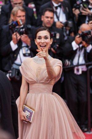 """Photo pour CANNES, FRANCE - 10 MAI 2018 : Celina Jade à la projection de """"Sorry Angel (Plaire, Aimer Et Courir Vite)"""" lors de la 71e édition du Festival de Cannes - image libre de droit"""