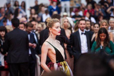 Photo pour CANNES, FRANCE - 10 MAI 2018 : Amber Heard présent à la projection de 'Sorry Angel (Plaire, Aimer Et Courir Vite)' lors de la 71e édition annuelle du Festival de Cannes - image libre de droit