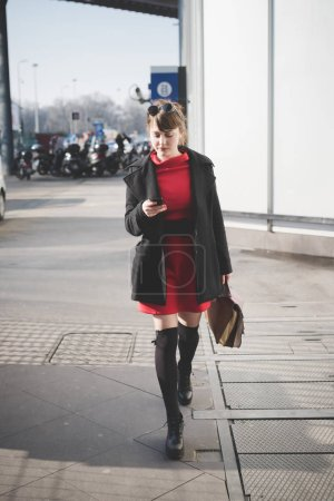 woman walking outdoor in city