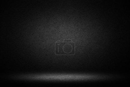 Foto de Cuarto oscuro con el fondo concreto de piso y pared - Imagen libre de derechos