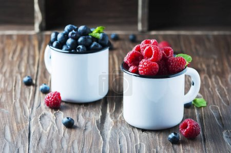 Mix of raspberries and blueberries
