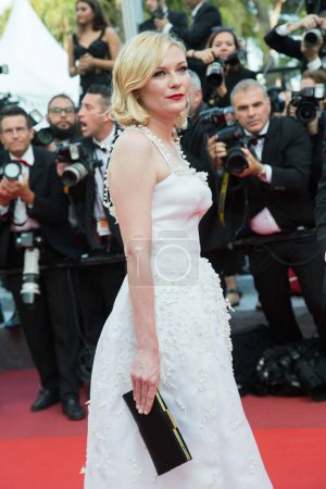 Photo for CANNES, FRANCE - MAY 16: Kirsten Dunst attends the 'Loving' premiere during the 69th annual Cannes Film Festival at the Palais des Festivals on May 16, 2016 in Cannes - Royalty Free Image