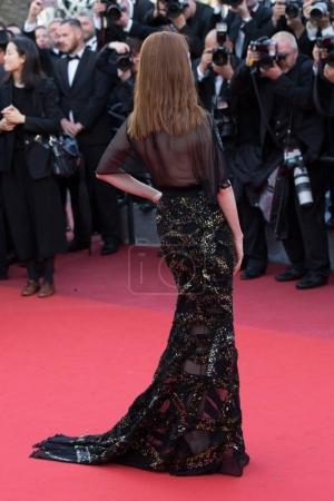 Photo pour Cannes, France - 11 mai 2016: Julianne Moore participe à la première «Société Cafe» et le Gala d'ouverture au cours de la 69e Cannes Film Festival annuel au Palais des Festivals - image libre de droit