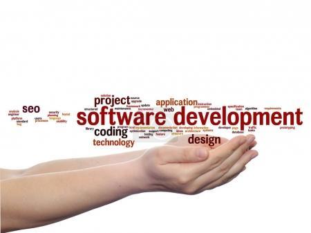 Photo pour Concept ou projet de développement de logiciel conceptuel nuage de mot abstrait de technologie isolé sur fond de codage - image libre de droit