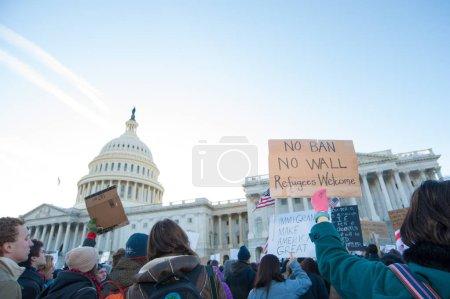 Photo pour Rassemblement de manifestants contre l'interdiction de voyage du Président Trump 4 février 2017 à Washington, Dc - image libre de droit