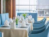 Design interiéru krásné Restaurace v námořnickém stylu