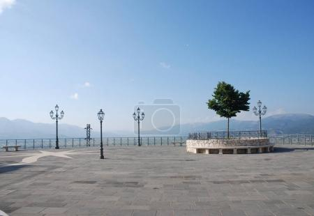 Photo pour Paysage urbain à Teggiano, Italie du Sud. - image libre de droit