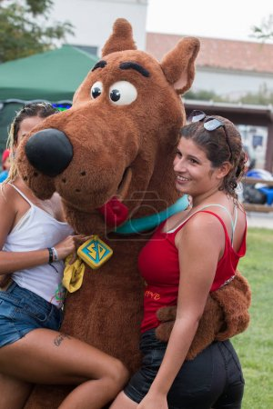Scooby Doo with girls