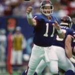 Постер, плакат: Phil Simms of the New York Giants