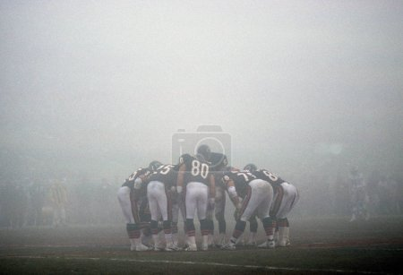 `Fog Bowl game played in Chicago. It was the Philadelphia Eagles vs the Chicago Bears in 1989.