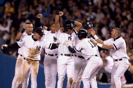 Photo pour World Series 2000 New York Yankees Winning célébration - image libre de droit