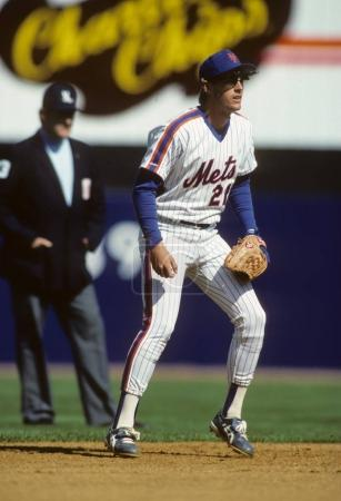 Kevin Elster of the New York Mets