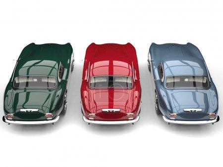 Photo pour Impressionnant vintage voitures de sport côte à côte - vue arrière du haut vers le bas - image libre de droit