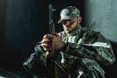 """Постер, картина, фотообои """"солдат в военной форме с винтовкой"""""""