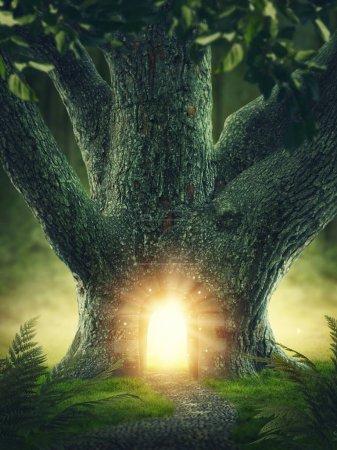 Photo pour Arbre magique avec la porte - image libre de droit