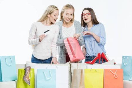 Women with shopping bags