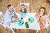 Rodinné malování kraslic