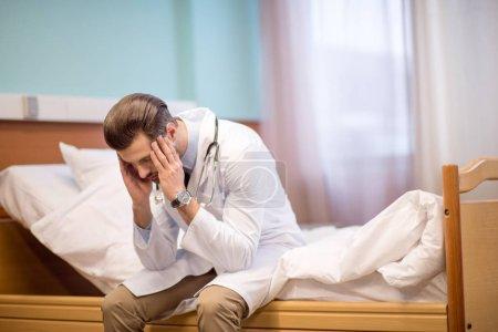 a souligné le médecin de sexe masculin