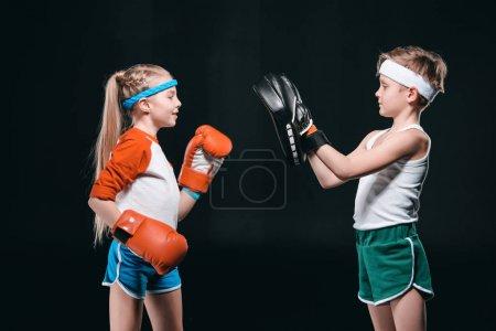 kids pretending boxing
