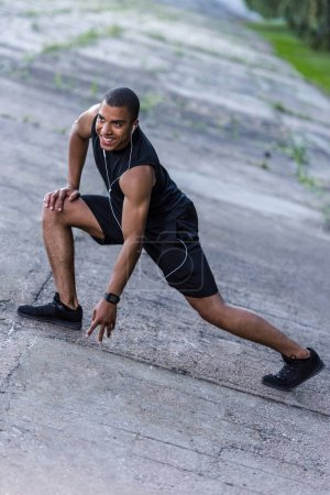 african american sportsman ready to run
