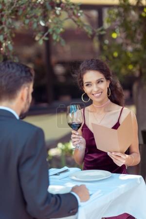romantic date in restaurant