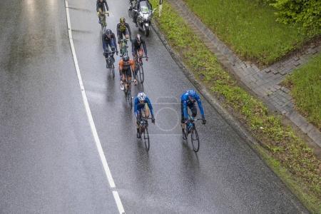 Photo pour BAD SODEN, ALLEMAGNE - 1er MAI 2017 : cyclistes à la course EschbornFrankfurt Rund um den Finanzplatz. Il s'agit d'une course cycliste semi-classique annuelle en Allemagne, débutant à Eschborn et se terminant à Francfort . - image libre de droit