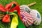 Zdobené velikonoční bič a malované bohatá pomlázka