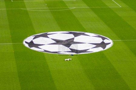Photo pour BARCELONE - 10 DÉCEMBRE : Vue du stade Camp Nou avant le match de Ligue des Champions entre le FC Barcelone et le PSG, score final 3 - 1 à Barcelone, Espagne . - image libre de droit