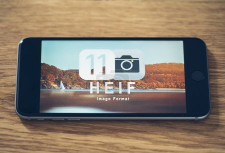 HEIF Logo on Apple iPone 7
