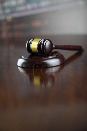 Photo pour Concept juridique. Le président du tribunal. - image libre de droit