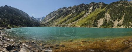 Photo pour Lac de Gaube Vue panoramique - image libre de droit