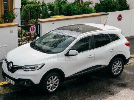 Renault Kadjar SUV car parked