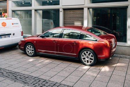 Luxury red Citroen C6 luxury