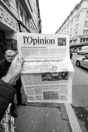 LOpinion French press writing about Google