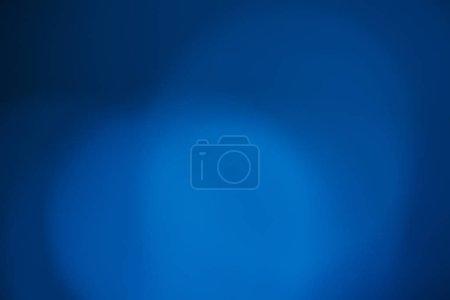 Photo pour Image de corocast bleu bokeh défocalisée - arrière-plans abstraits - image libre de droit