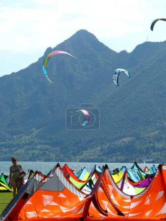 Flying over the waves of Lake Idro
