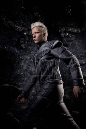 Photo pour Fantaisie sexy albinos astronaute - image libre de droit