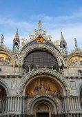 """Постер, картина, фотообои """"Фасад церкви купол Сан-Марко"""""""