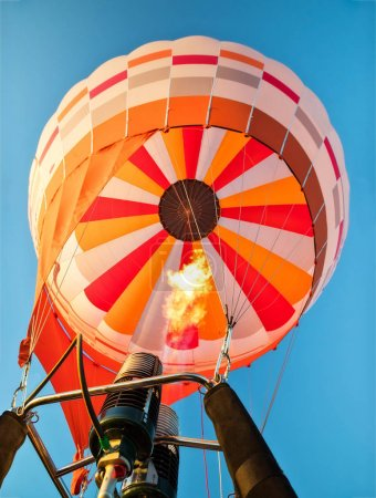 Hot air balloon with gas power accelerators