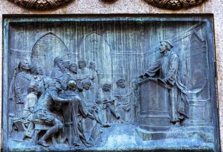 Giiordano Bruno Speaking Statue Campo
