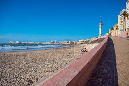 Photo pour Cadix, Espagne - vers 2019 : le paysage urbain de Cadix en Andalousie, Espagne - image libre de droit