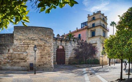 Photo pour Jerez De La Frontera, Espagne - Vers novembre 2019 : Palais de l'Alcazar de Jerez de la Frontera en Andalousie, Espagne - image libre de droit