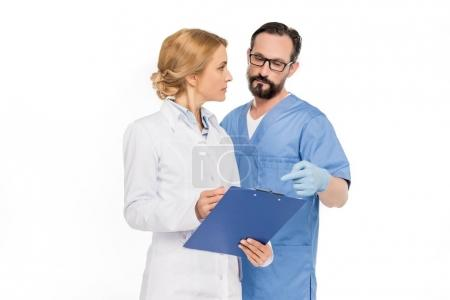doctors discussing diagnosis