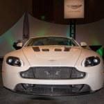 Постер, плакат: Aston Martin Vantage