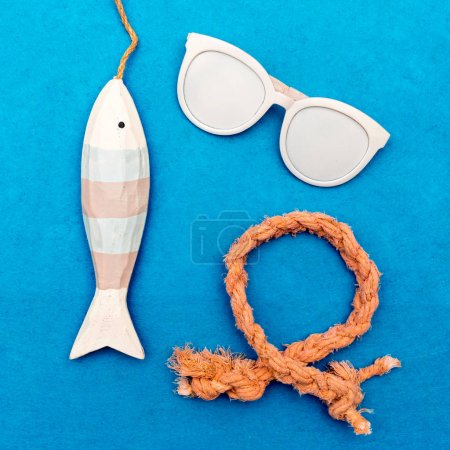 Sea souvenirs Minimal art design style
